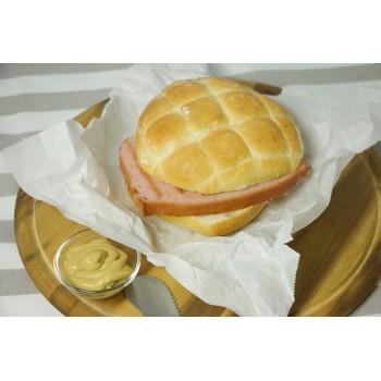 Polpettone Leberkäse nel panino con senape