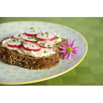 da assaggiare con formaggio spalmabile, ravanello e erba cipollina