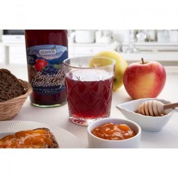 succo di mele e mirtilli in bicchiere