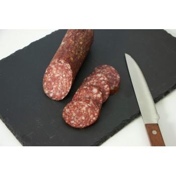 Salame di capriolo tagliato a fette
