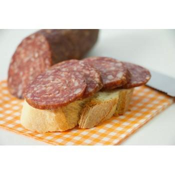 Salame di capriolo su pane bianco