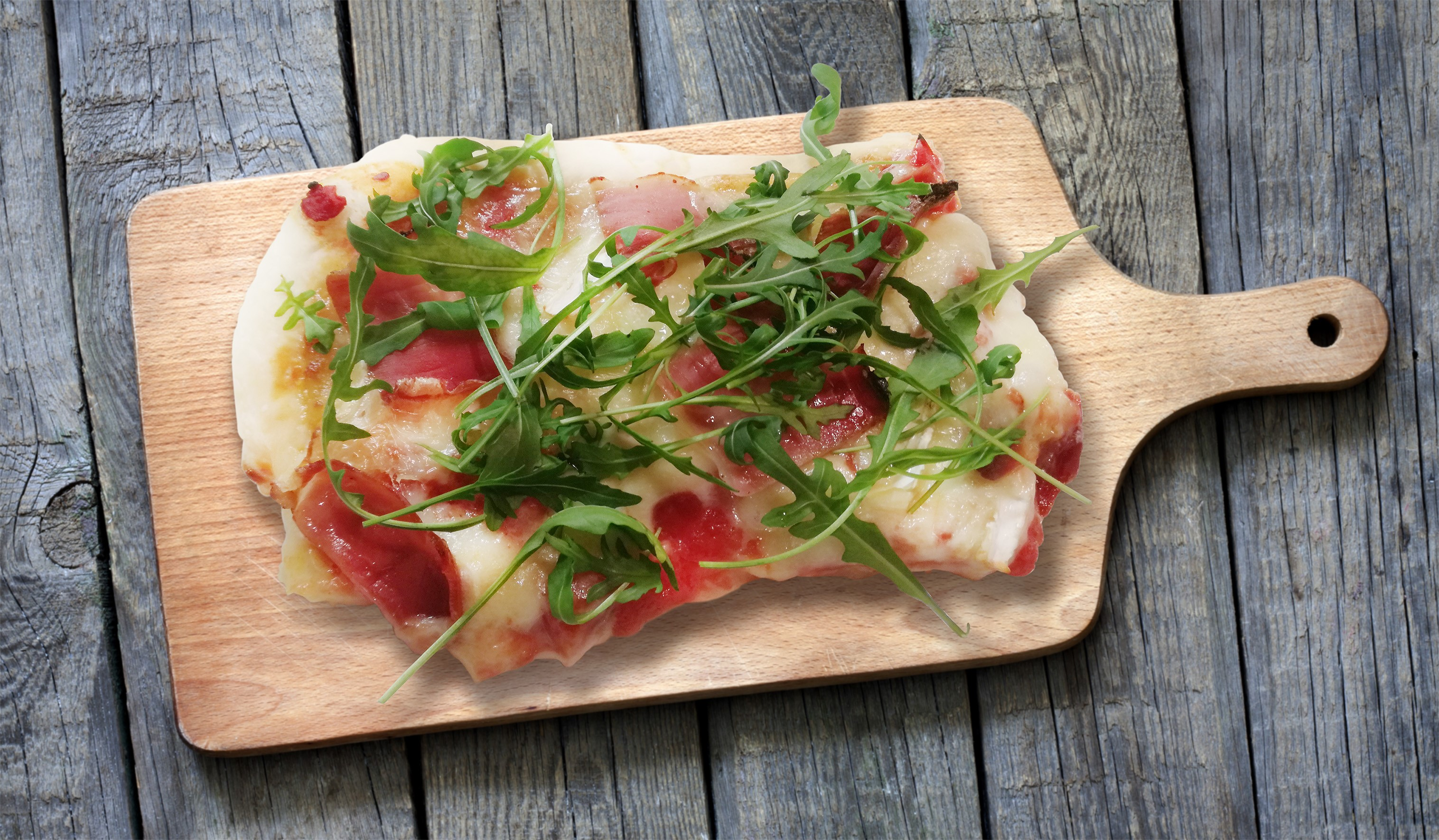 Pizza Camembert e Speck
